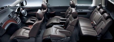 Nissan Elgrand 350 Interior