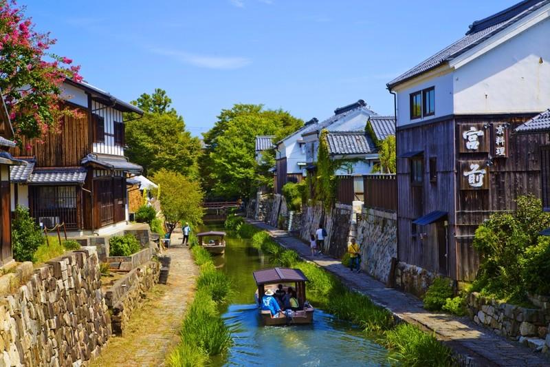 Omihachiman canal street