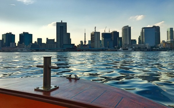 Mizuha boat tour sumida river at sunset
