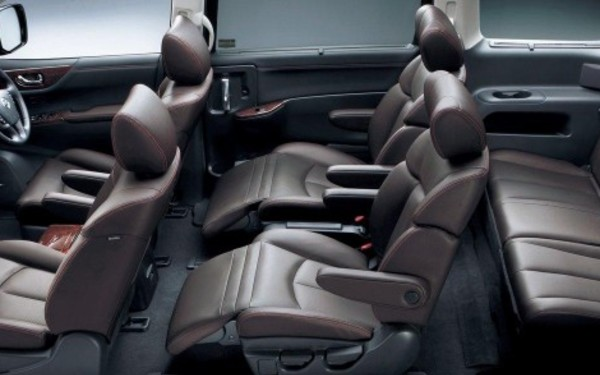 Nissan Elgrand Interior