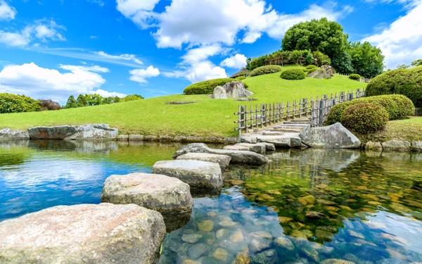 Sunny day, blue skies in a garden in Okayama