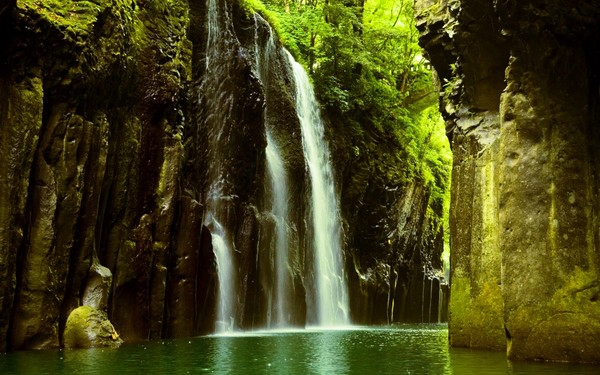 Takachiho Gorge and waterfalls